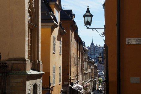 Blick in eine Straße in der Stockholmer Altstadt Gamla Stan