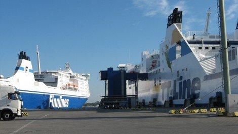 Fähren von Finnlines und TT Line liegen im Hafen von Travemünde