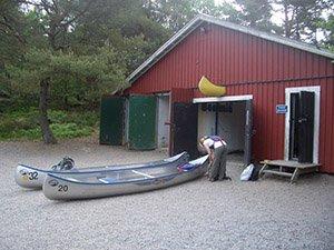 Kanuverleih in der Vättlestuga bei Göteborg, Schweden