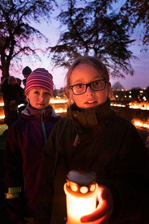 Kerzen an Allerheiligen in Schweden
