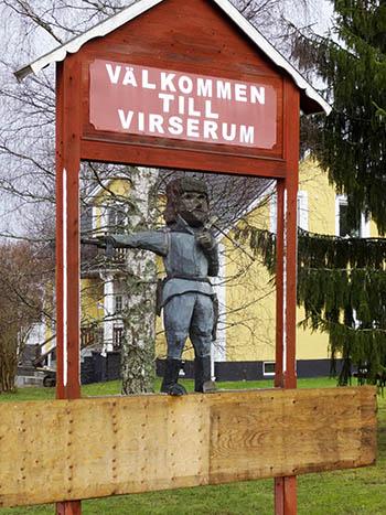 Dacke-Statue am Ortseingang von Virserum