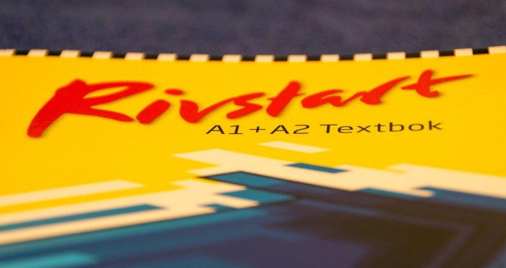 Schwedisch-Lehrbücher im Test: Rivstart