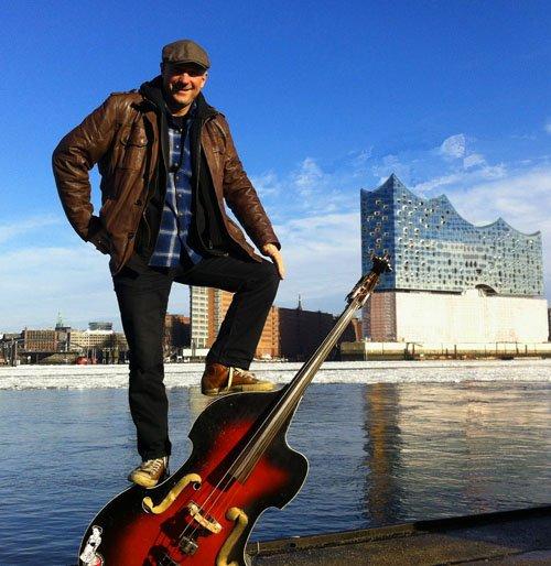 Geht in den Schären segeln - the Sailing Bassman Claus Aktoprak