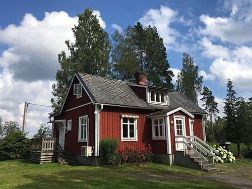 Neustart gelungen - ein typisches rotes Schwedenhaus