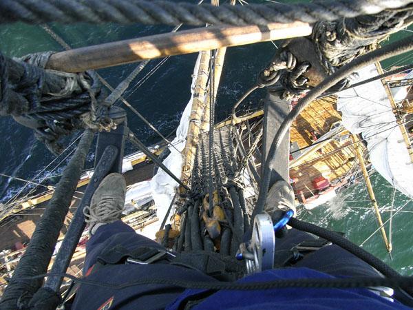 In der Takelage des Segelschiffs Götheborg