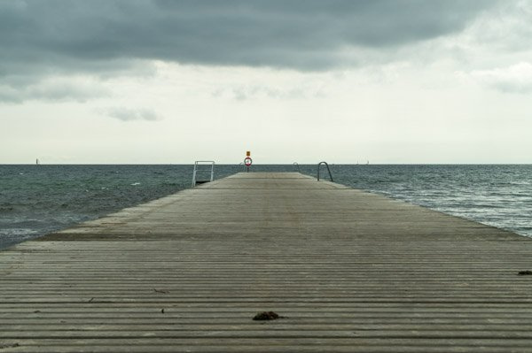 3_Steg am Strand von Ystad